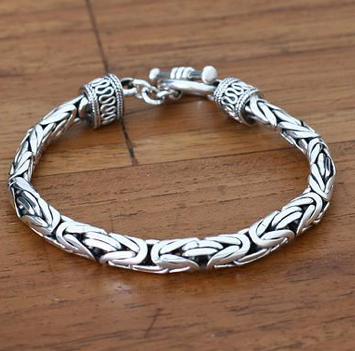 unique-christmas_gift_ideas_men_bracelet
