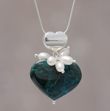 Perfect-Romantic-Gifts-HeartPendant