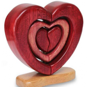 Perfect-Romantic-Gifts-HeartShaped-Art