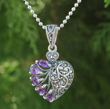 Perfect-Romantic-Gifts-Romance-Necklace